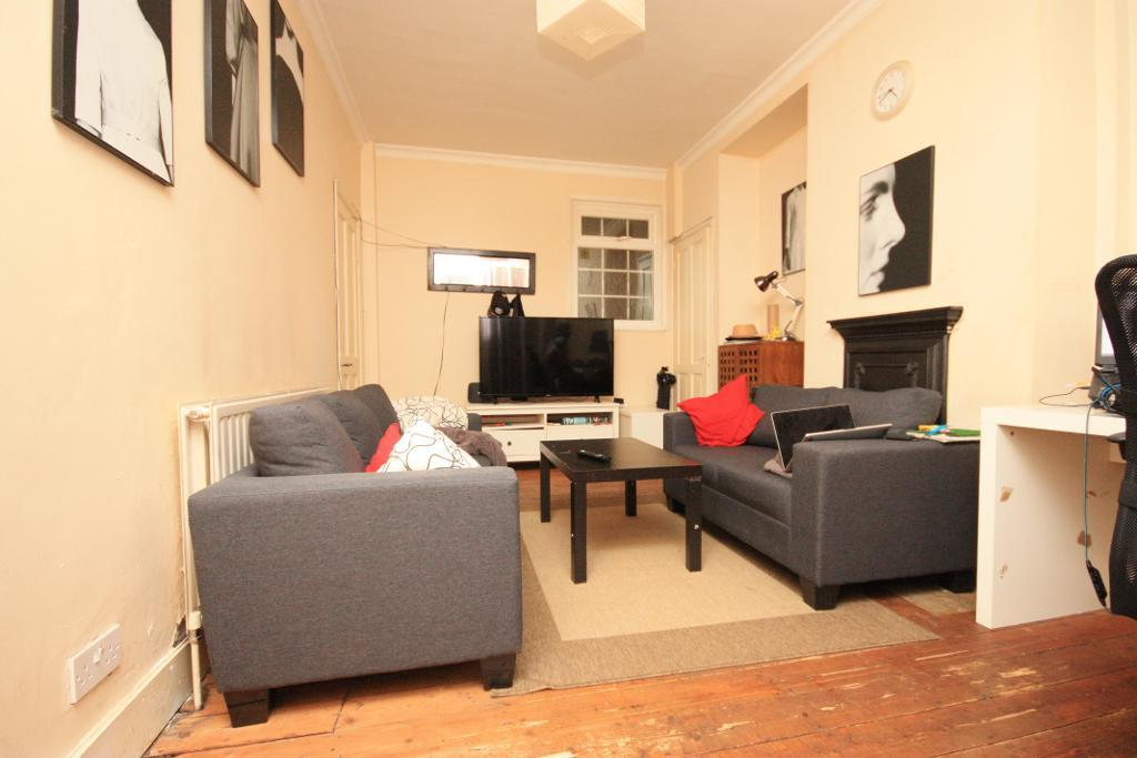 Foliot Street, East Acton, London, W12 0BQ